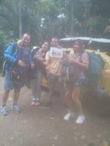 Taxis a montañita llegando a Ayampe con turistas desde el aeropuerto de Guayaquil